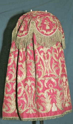 Torah Cloak in rose coloured fabric, embroidered with gothic design of laid gold (from the Montefiore Collections)